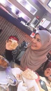 Roti garlic kari kambing.. Mkn ni habis RM340 sekali mkn.. x sedap mana pun.. sedap masakan sy lg.. Tp nak juga merasa mknan di sini..