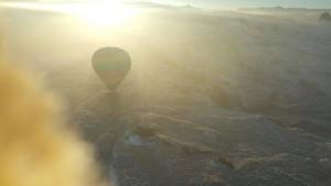 Sangat indah pemandangan dri atas.. Dri jam 6.00am kami melihat matahri terbit dgn suhu teramat sejuk..