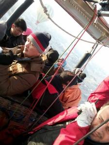Pilot baju merah ni haa.. org Turki yg expert katanya.. Sy tetap takut kalau jatuh mmg xda cara nak selamatkan diri.. xda sebarang jaket parasuit ni.. Mati katak..