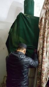 Dlm singgahsana Nabi Sulaiman. Dalam masjid Aqsa ni ada penjara jin juga yg diceritakan oleh Syeikh Yusuf.
