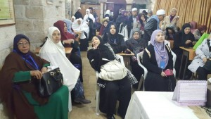 Selepas subug Imam Besar masjid Syeikh Yusuf bawa kami ke kelas hafazan Quran. Ibu tunggal dn yatim dlm Aqsa.
