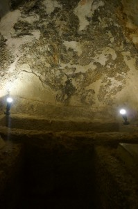 Jalan masuk ke dalam gua kuburan Ashabul Khafi.