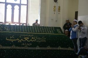 Kami di makam Nabi Shuib. Ustaz Abdullah Amin membaca doa untuk lawatan kami pada pagi ni.