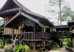 Rumah kg stail Terengganu. Macam ni sy bina diatas puncak yg tinggi. InshaAllah.